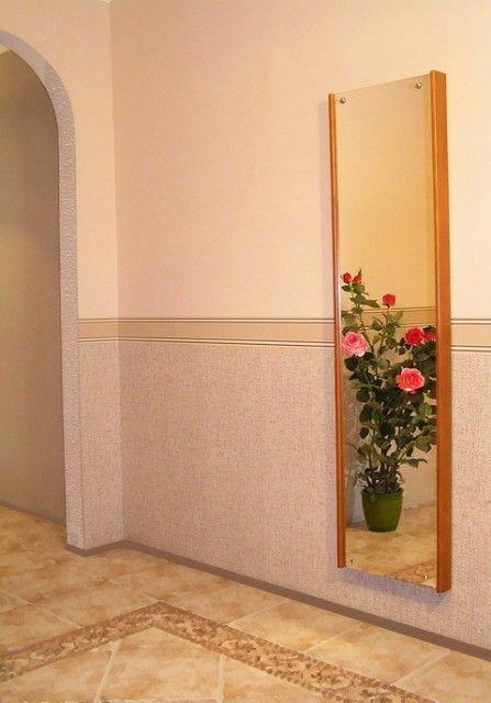Прасувальна дошка зі стіни. Геніальна ідея.