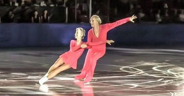 Чоловік і дружина - олімпійські чемпіони. Йому 83, їй - 79, і вони знову вийшли на лід відео