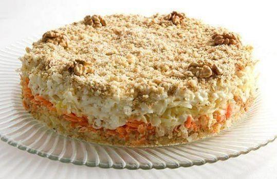Овочевий салат «кремлівський торт». Зробіть свій святковий стіл!
