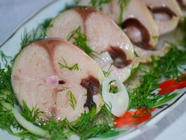 Скумбрія до смаку як червона риба: секрет в особливому маринаді!
